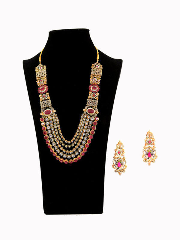 Gulbahaar Ruby Malaa Set Swavo Collection